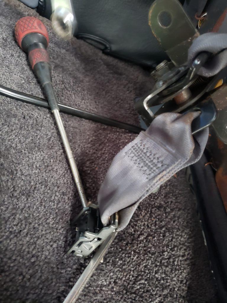 シートベルト修理
